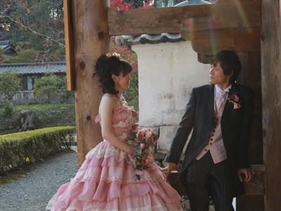 ドレスで結婚写真