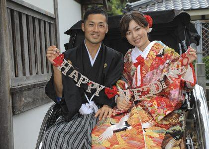 萩市人力車に乗って結婚写真