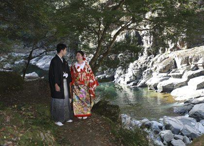 結婚写真の前撮りで長門峡散策道をロケーション撮影しました。